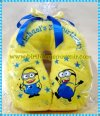 Souvenir Bantal Leher Bordir ( Minion )